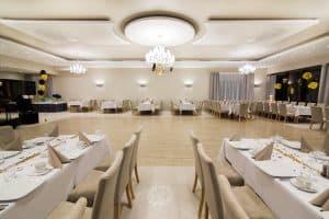 Restauracja grodzki – krzesła sztaplowane 3